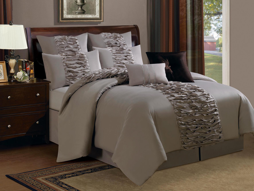 12 piece queen astor ruffled taupe bed in a bag w 500tc sheet set ebay. Black Bedroom Furniture Sets. Home Design Ideas