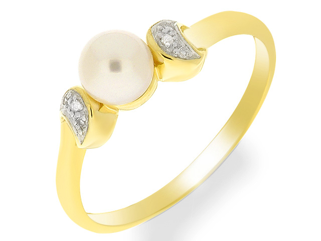 9ct Pearl and Diamond Yellow Gold Ring