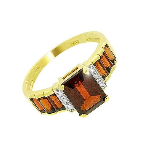 18ct Yellow Gold 2.44ct Garnet & 2pt Diamond Ring Size: Y