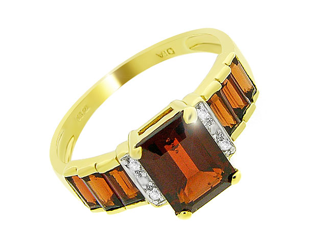 9ct Yellow Gold 2.44ct Natural Garnet & Diamond Dress Ring Size: G