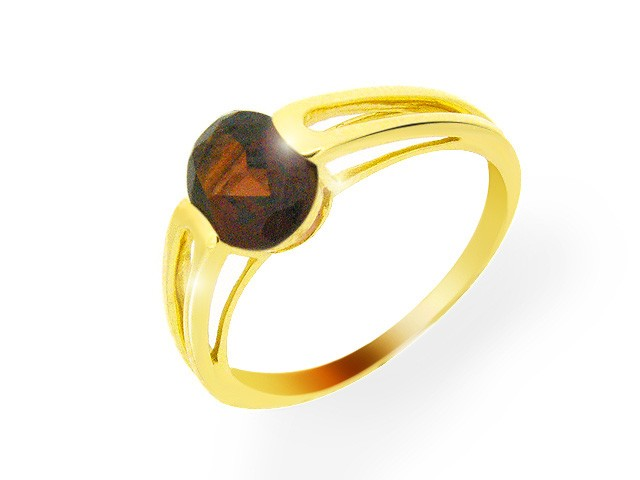9ct Yellow Gold Blood Red Garnet Ring