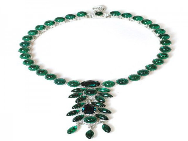 Otazu Emerald Green Crystal Necklace