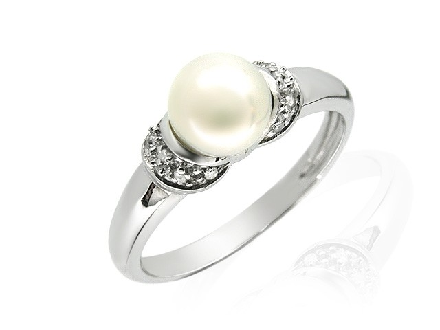 9ct White Gold Pearl & Diamond Ring Size: Q