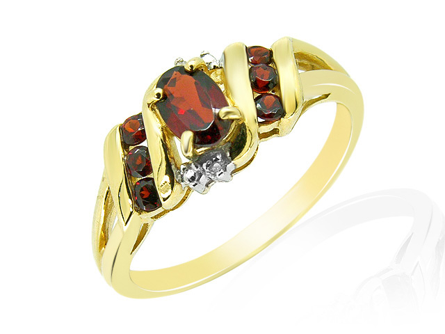 9ct Yellow Gold Garnet