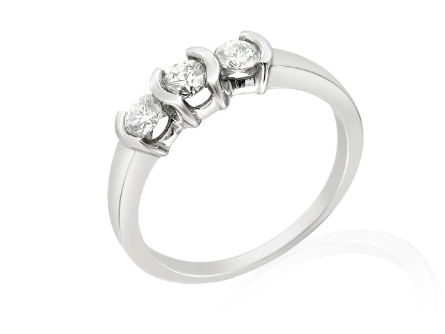 9ct White Gold Three Stone Diamond Ring Size: N