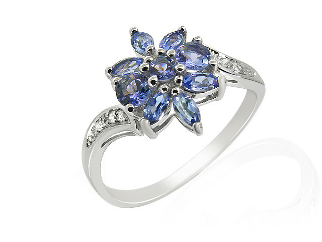 9ct White Gold Tanzanite