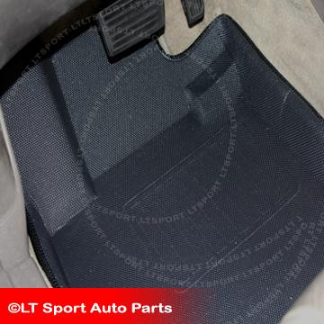 10-12 沃尔沃XC60 防水橡胶、发泡型立体脚垫