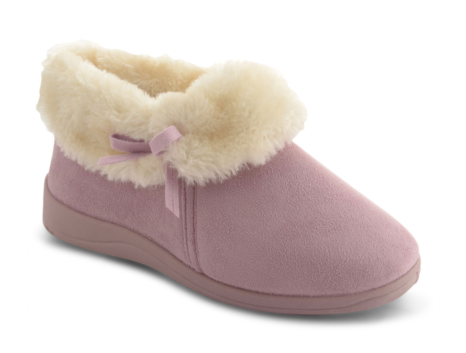 For fans of fun, check out our selection of bootie slippers: the stylish slipper to wear outside. From pajamas to jeans, it feels just as good to wear these slippers outside as it does inside. Keep the comfort going in easy-wear and easy-to-style bootie slippers!