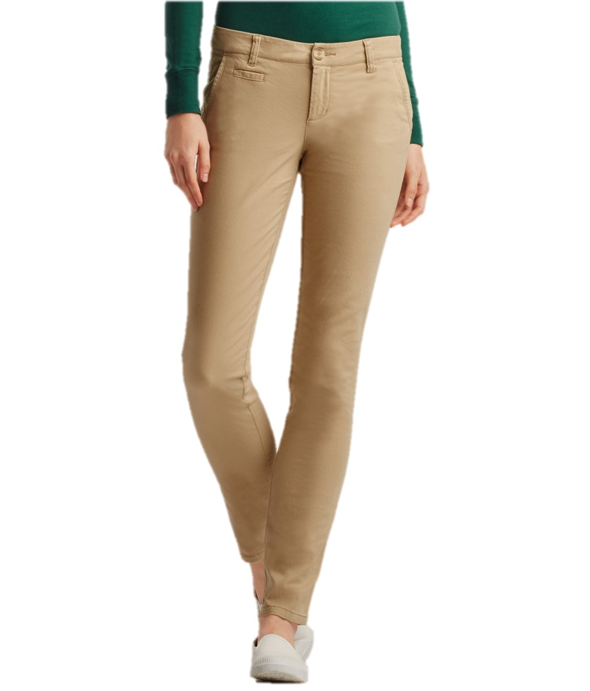 WOMEN'S SKINNY JEANS Skinny jeans are a staple in every modern wardrobe—and Levi's® skinny jeans for women are the best of the best. Not only do they flatter in all the right places, but they also come in a variety of shapes, sizes and washes to suit every woman.