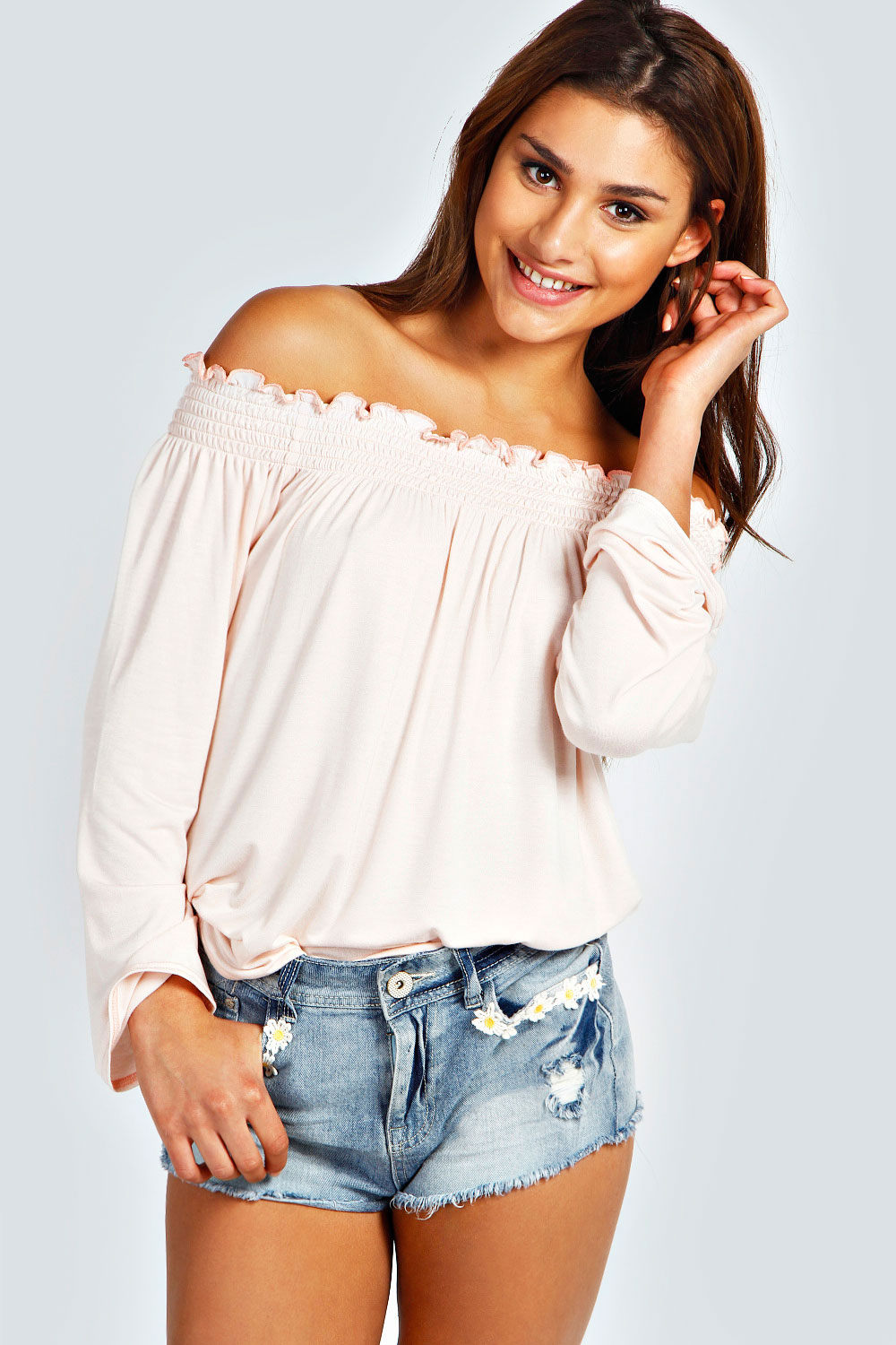 Discover our range of flattering off the shoulder Bardot tops in jersey, denim or cotton in a variety of colours. Shop off the shoulder tops at ASOS today.