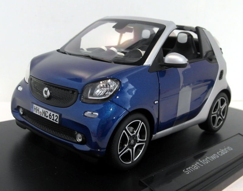 Norev-1-18-Scale-diecast-183438-Smart-Fortwo-Cabrio-2015-Siolver-Blue-metallic