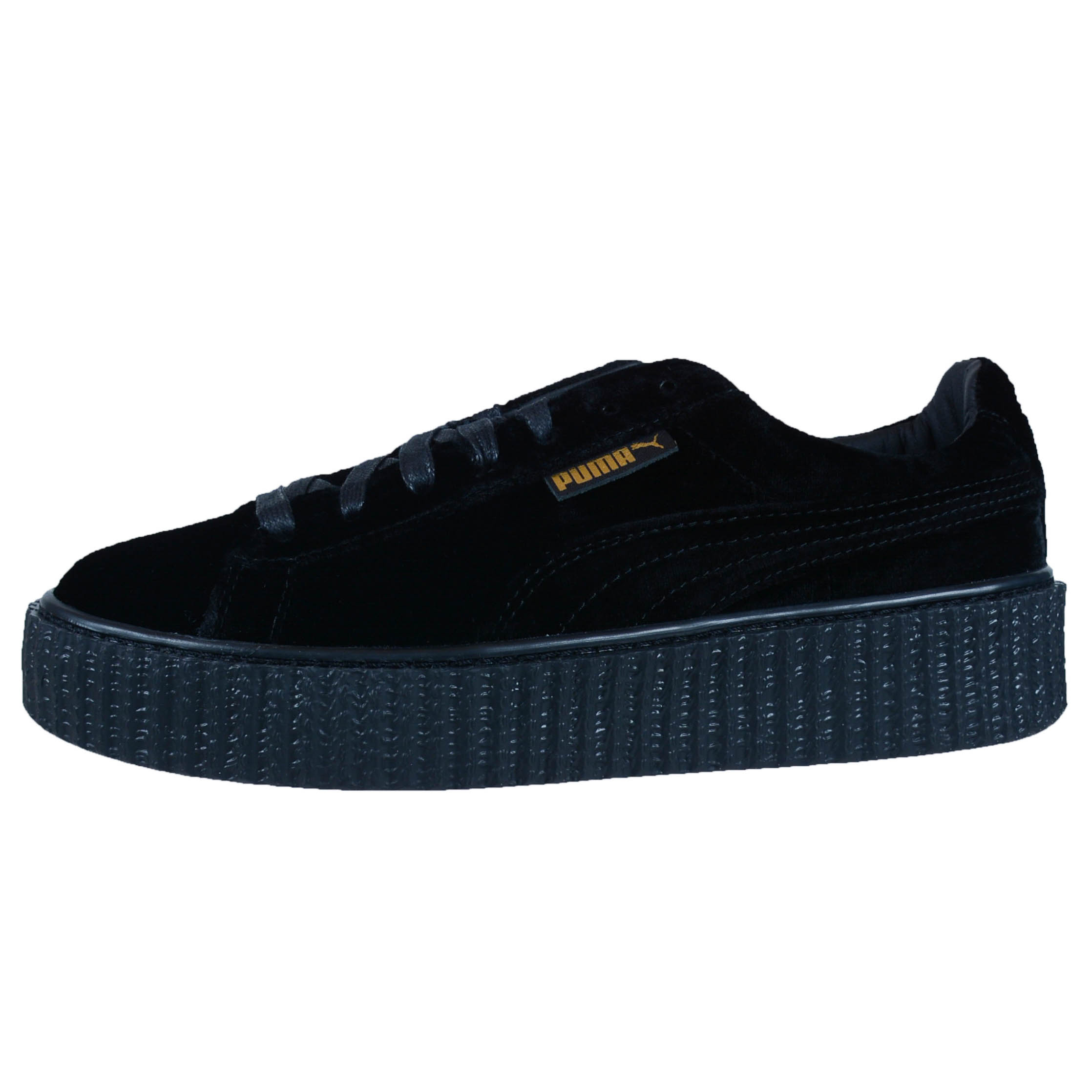 all black puma trainers