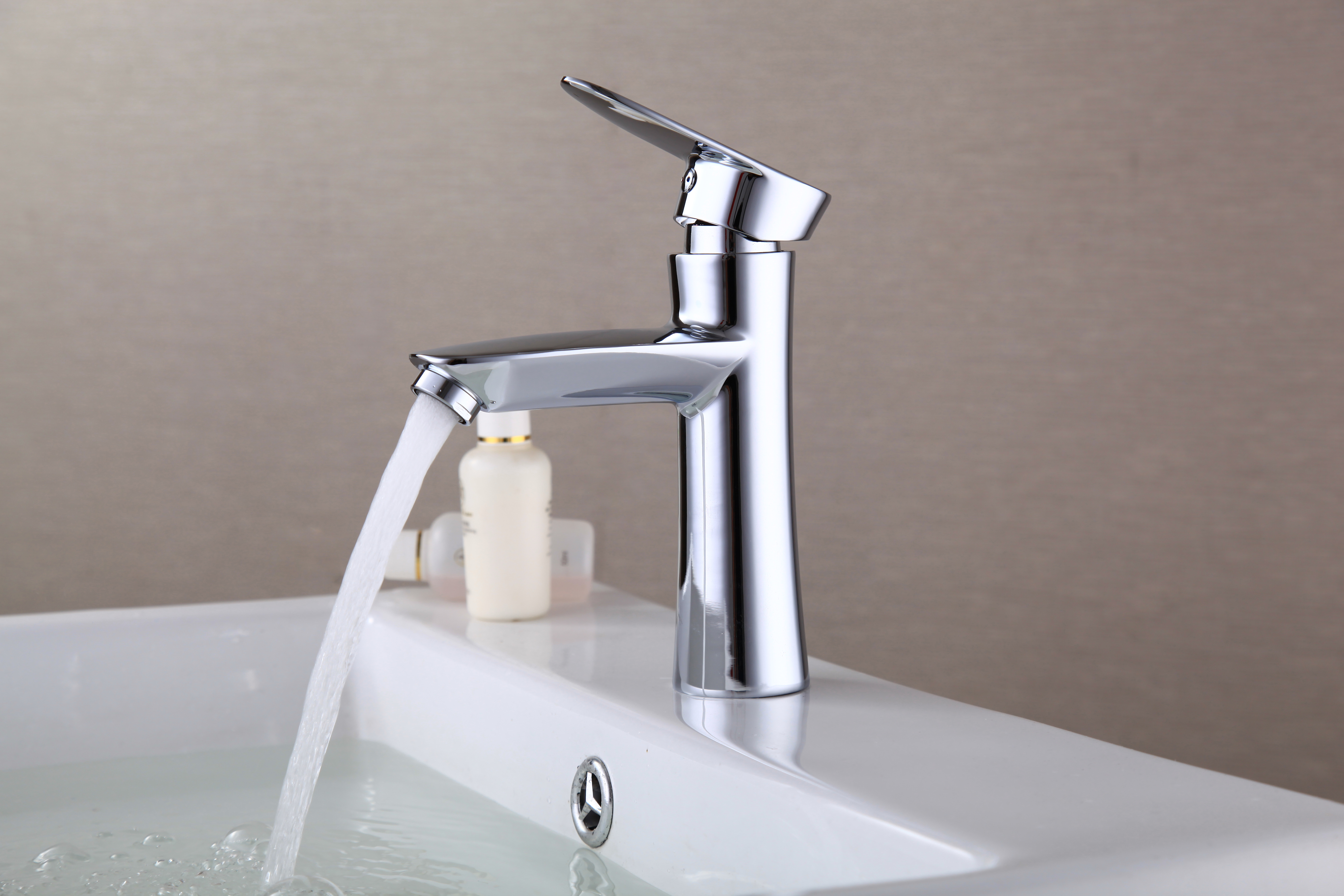 Bathroom faucet widespread sink mixer tap oil rubbed for Bathroom sink lever taps