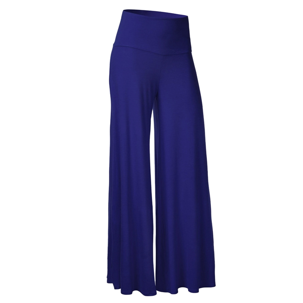 bebe Bottoms From flirty skirts to tailored women's pants to chic leggings, bebe has fabulous bottoms to mix into any wardrobe. Skinny pants, wide-leg trousers, pleated skirts and midi skirts make for instant polish, while mini and bodycon skirts, basic and detailed leggings and sexy shorts are perfect for party and casual looks.