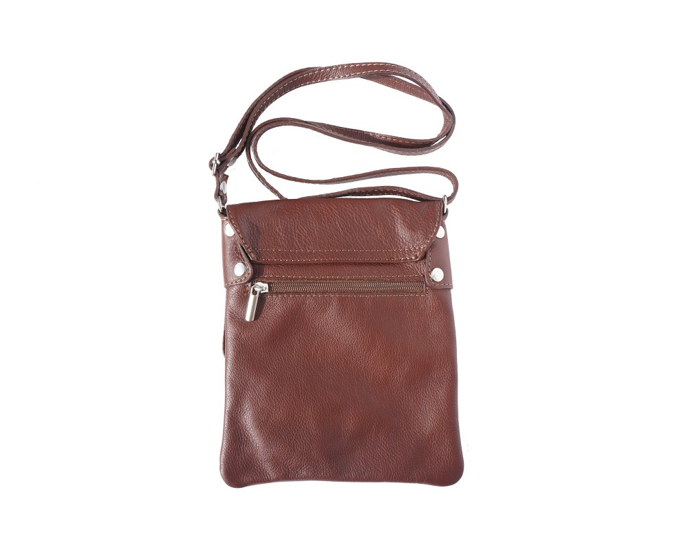 If handbags are your weakness then reddish brown leather handbag is an appropriate bag to buy. The bag is available in different colours of leathers. The bag has an interior.