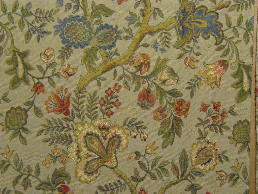 Italian floral tapestry upholstery fabric gold for Upholstery fabric