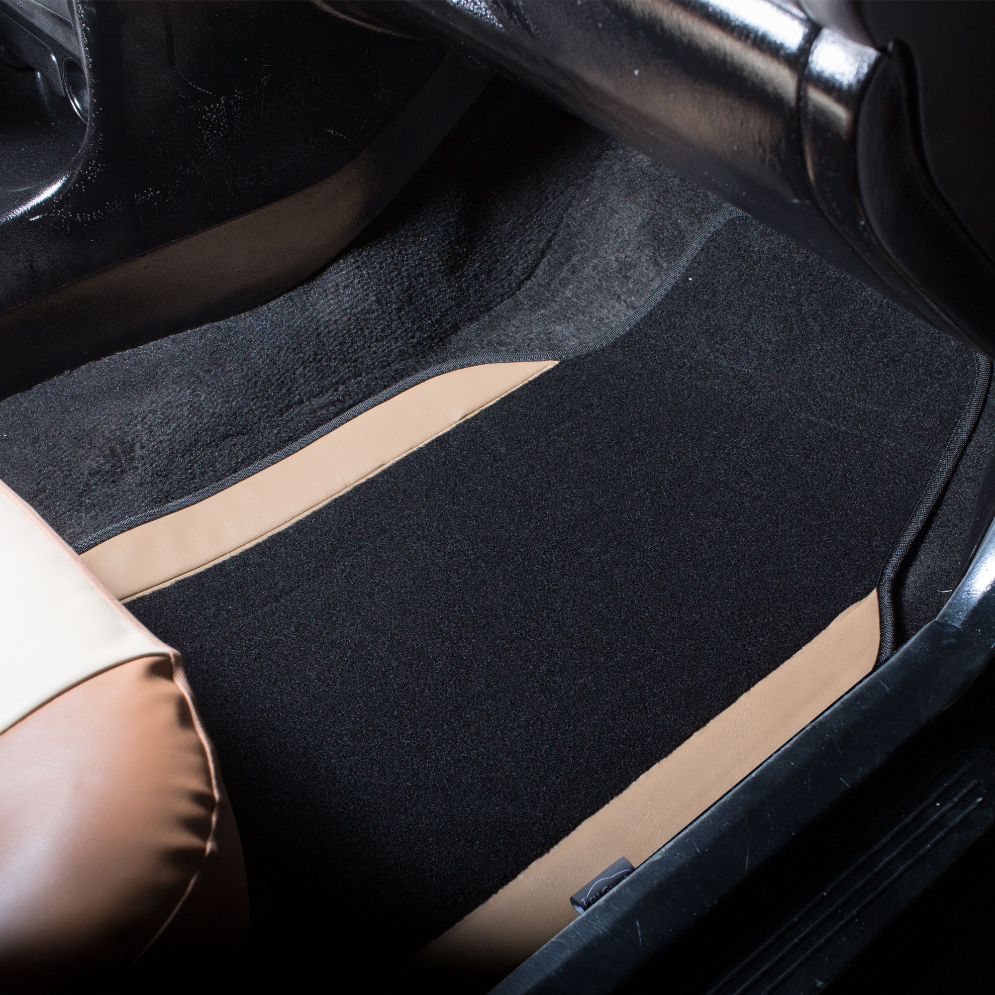black pink car seat covers with beige carpet floor mats for auto car suv cad. Black Bedroom Furniture Sets. Home Design Ideas