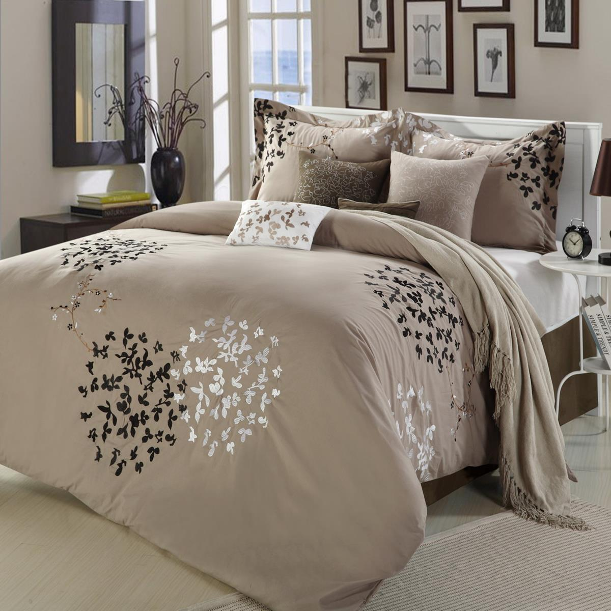 cheila beige silver brown 8 piece king comforter bed in a bag set new ebay. Black Bedroom Furniture Sets. Home Design Ideas