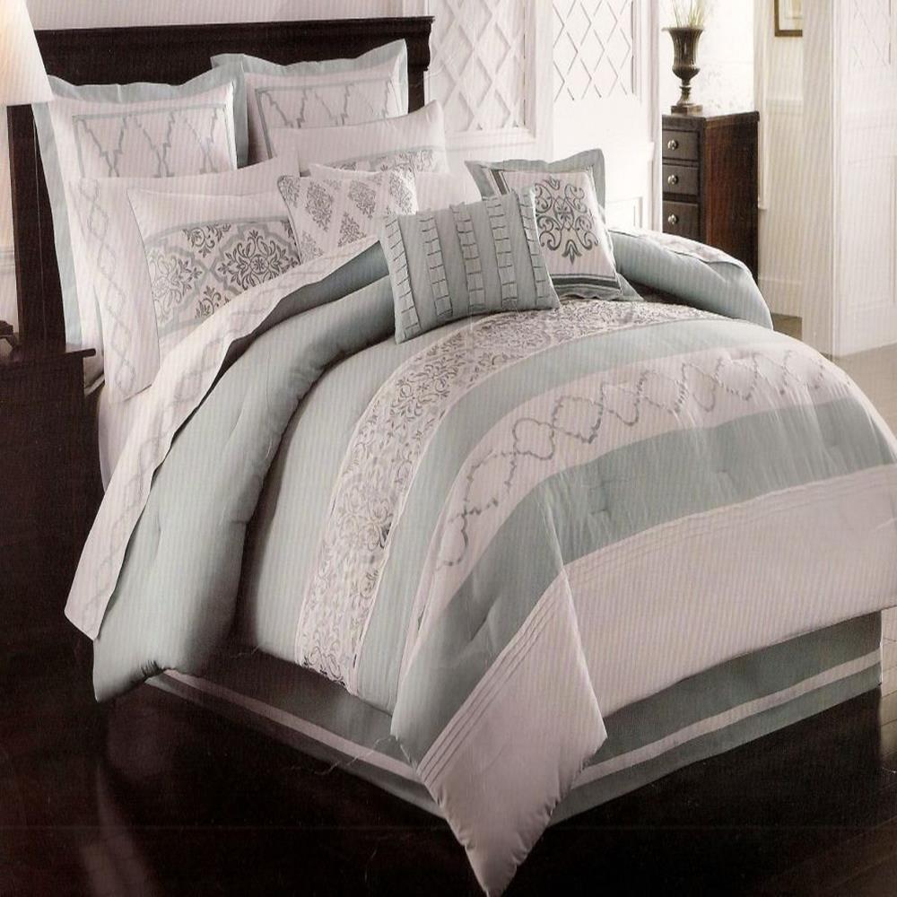 Courtyard Seaglass Oversize Queen 8 Piece Comforter Bed In