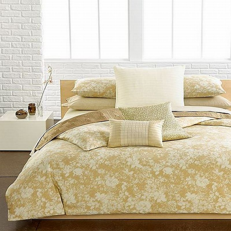 Luminous egyptian cotton sateen queen comforter gold off white new