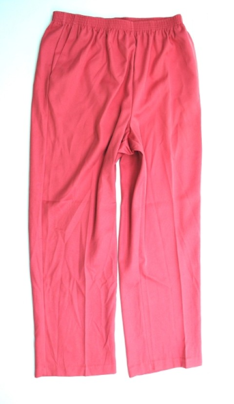 Alfred Dunner NEW ALFRED DUNNER WOMENS PROPORTIONED SHORT PINK PANTS 12 at Sears.com