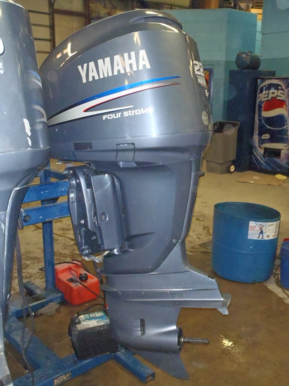 Used 2006 yamaha f225txr 225hp 4 stroke remote outboard for Best prop for 25 hp yamaha 2 stroke