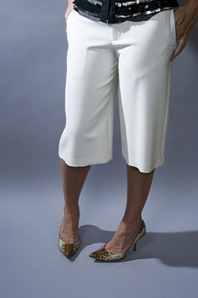 Chaiken Clean Culotte Capri Womens Shorts Ivory Size 2 at Sears.com