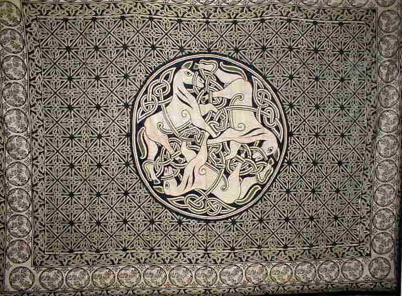 Celtic circle of horses tapestry bedspread home decor ebay for Celtic decorations home