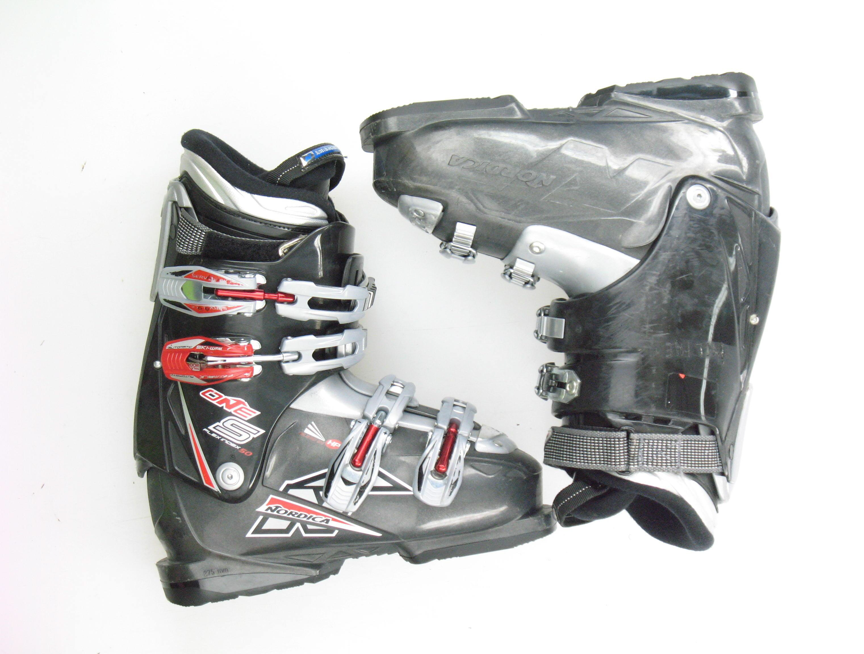 nordica one s intermediate used black ski boots s size