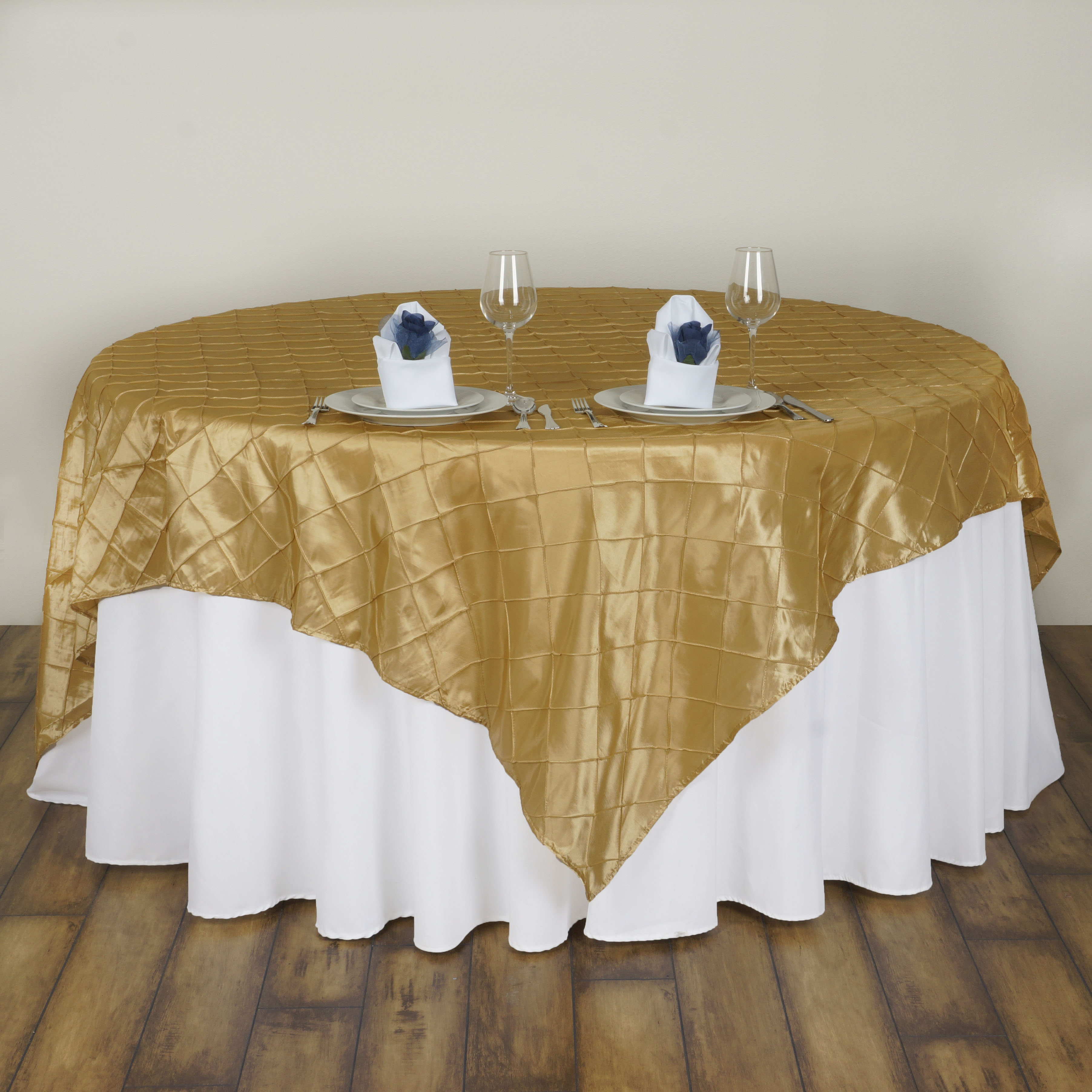 Champagne pintuck 60x60 square table overlays unique for Table 60x60 design
