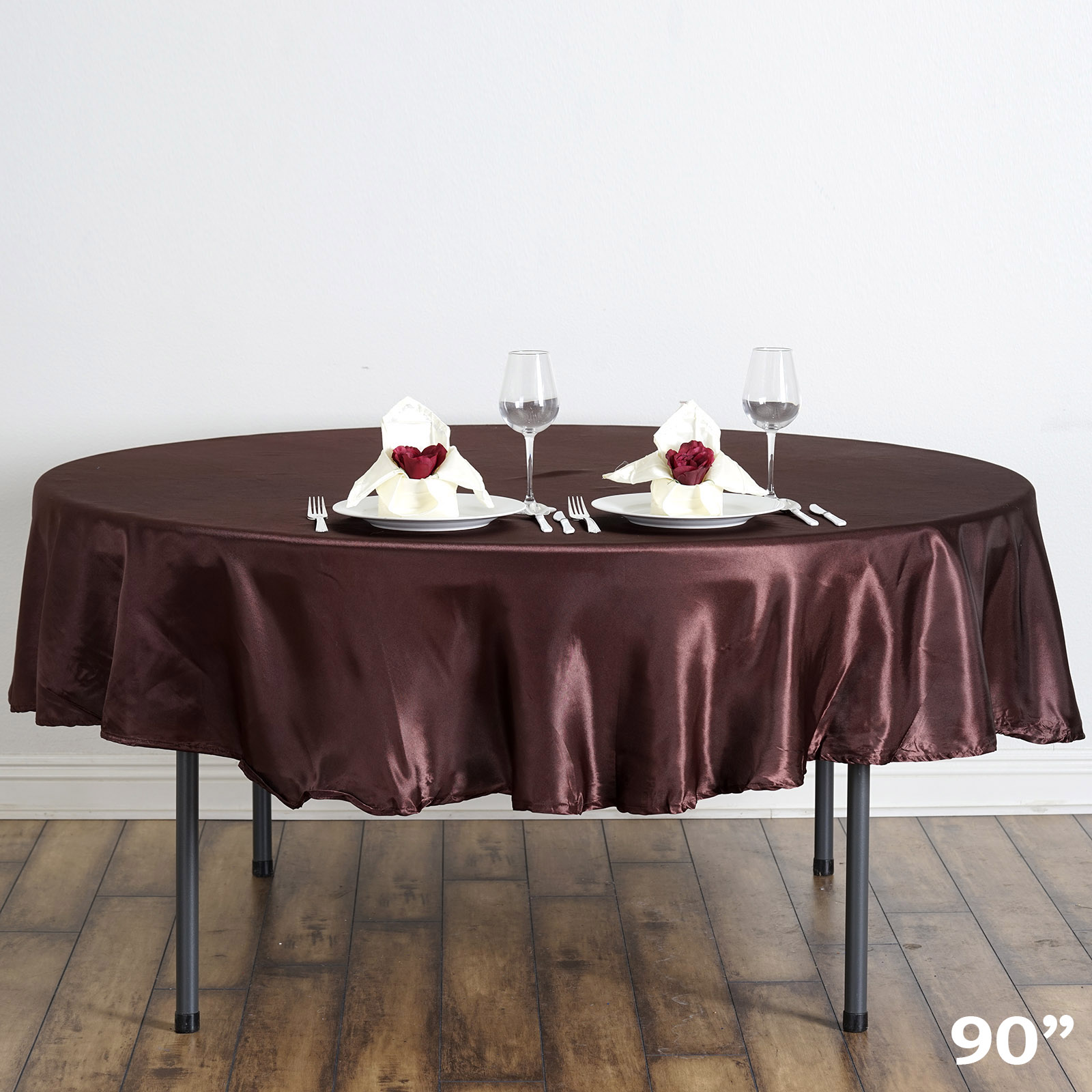 Kitchen & Table Linens Keep your kitchen and dining room looking stylish with our collection of tablecloths, runners, placemats, kitchen towels, and much more in a huge variety of colors, shapes, and patterns designed to go well with any décor style.