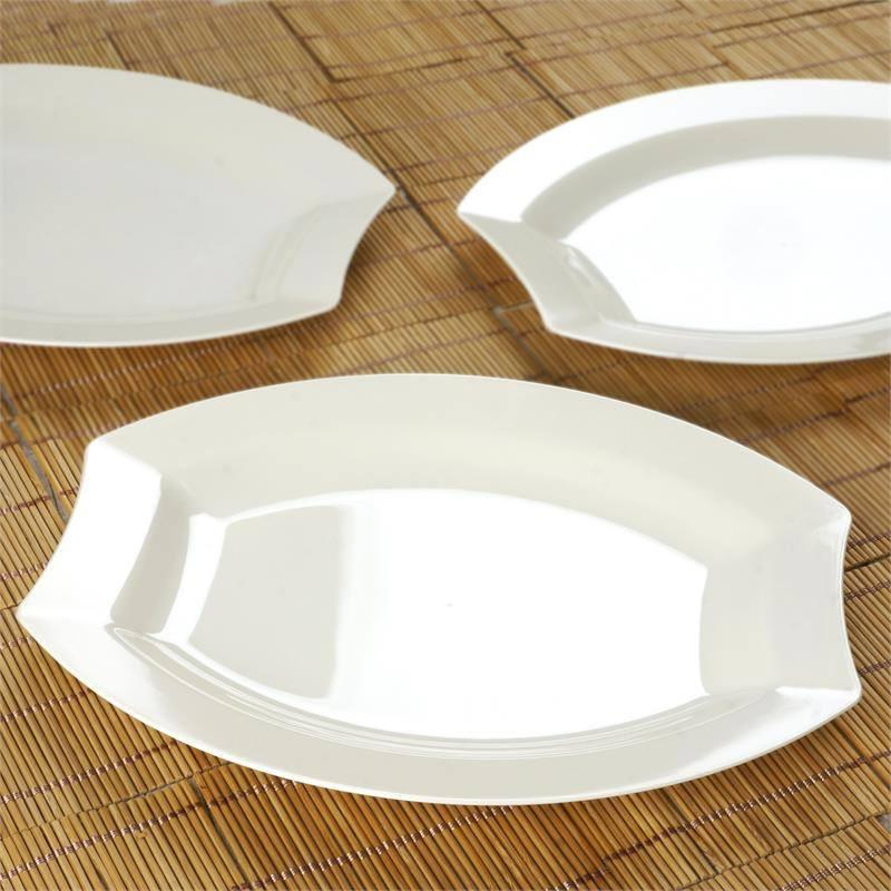 10 5 PLASTIC DINNER PLATES Disposable TABLEWARE Party Wedding Catering
