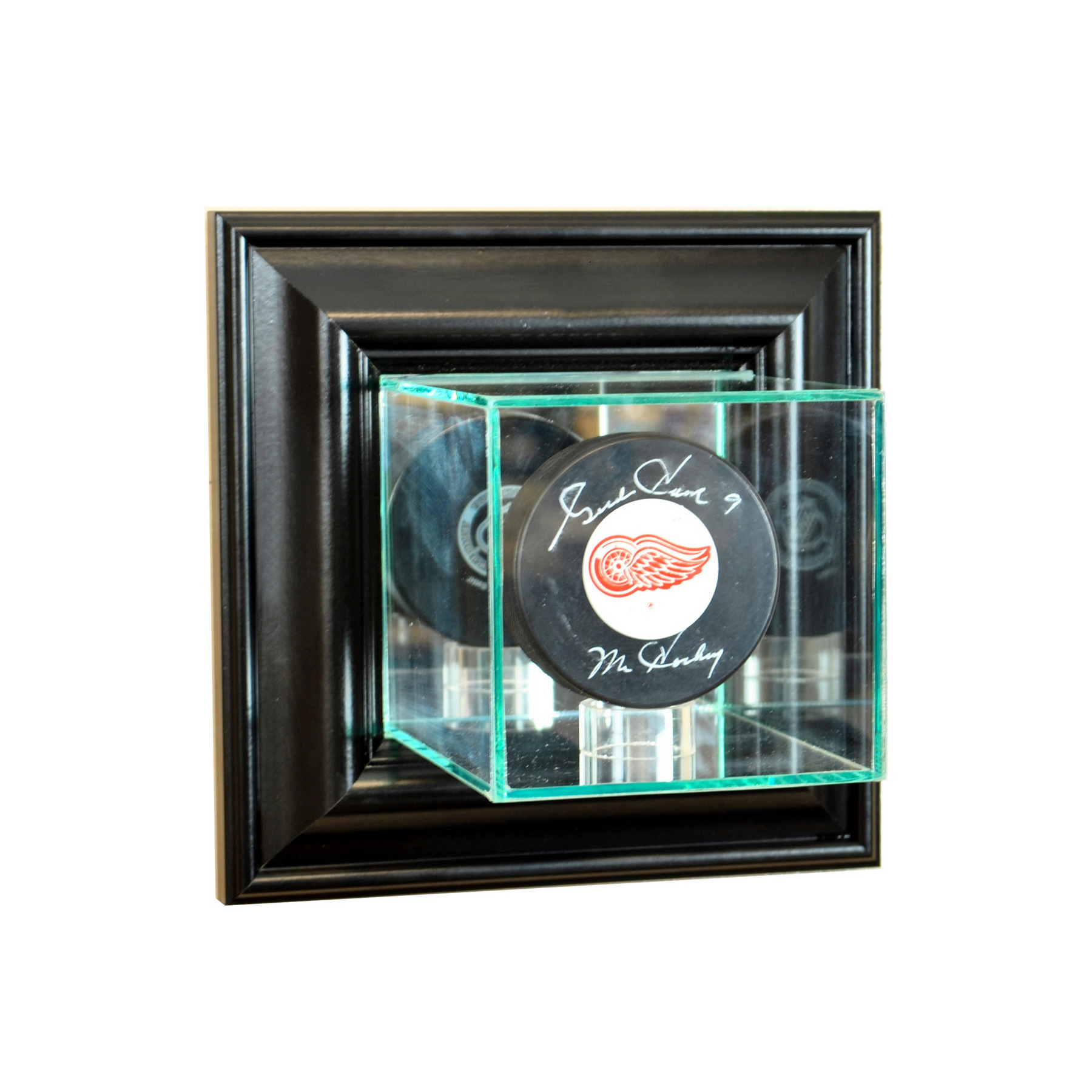 perfect cases wall mount black hockey puck display case ebay. Black Bedroom Furniture Sets. Home Design Ideas