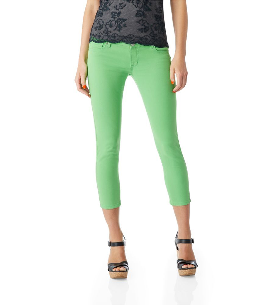 Did you rock the mood ring back in the day? And remember how it changed beautiful colors, now you can totally do it with your pants! Only you are in control of the color and your mood. Abigail is a super stretchy skinny jegging that comes in beautiful, mellow jewel tones, neutrals, and pseudo-neutrals. No matter your m.