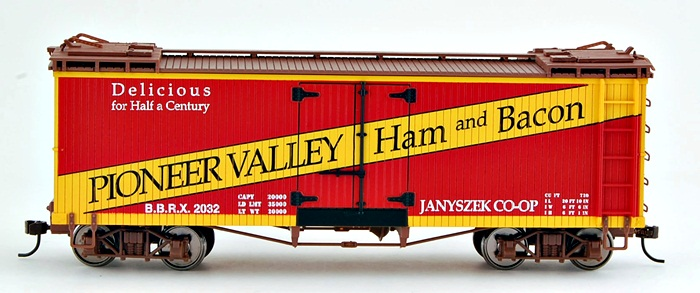 Spectrum Plus Spectrum On30 Scale Train Reefers Pioneer Valley Ham & Bacon 27403 at Sears.com