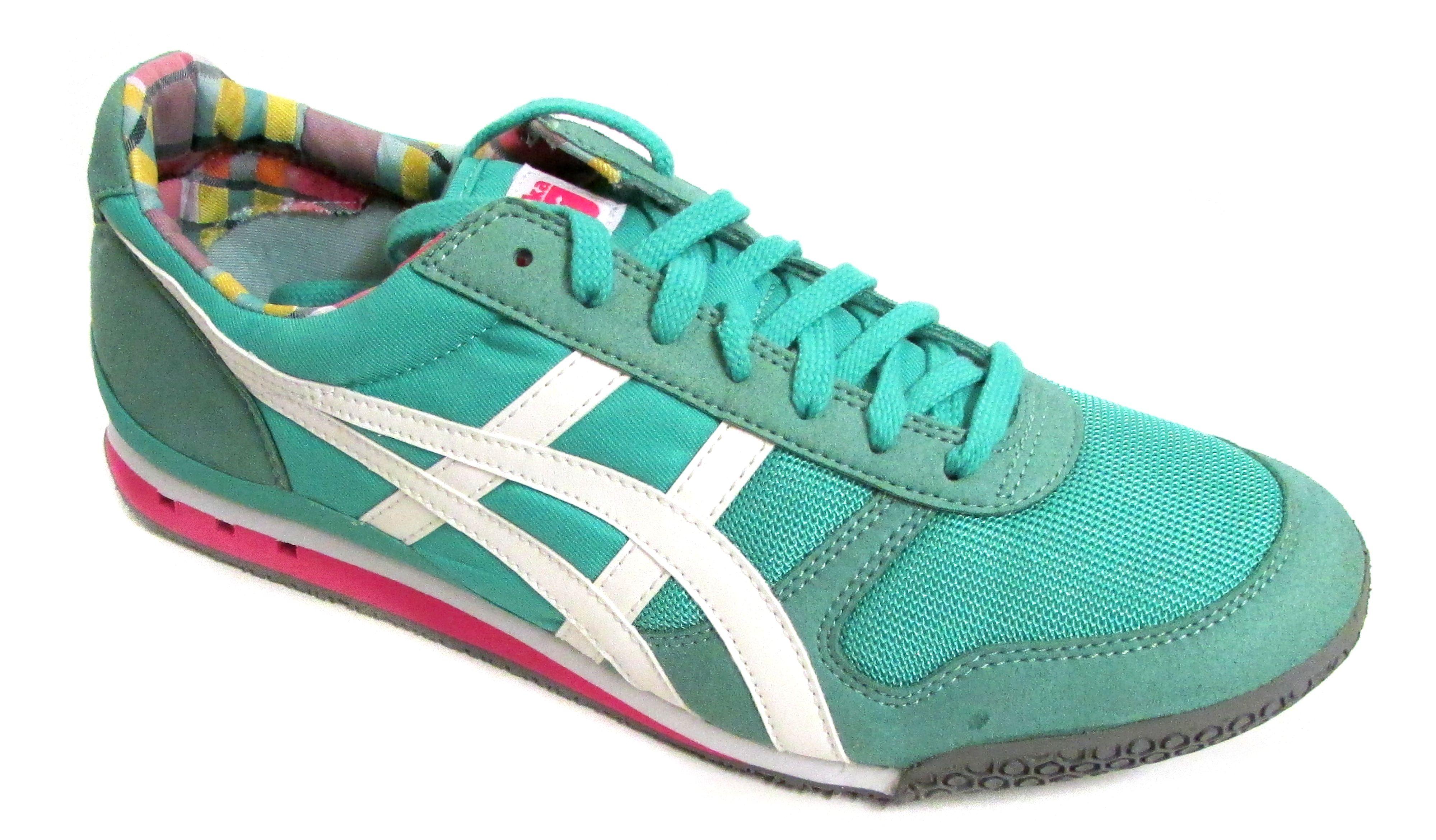 onitsuka tiger serrano classic running shoe