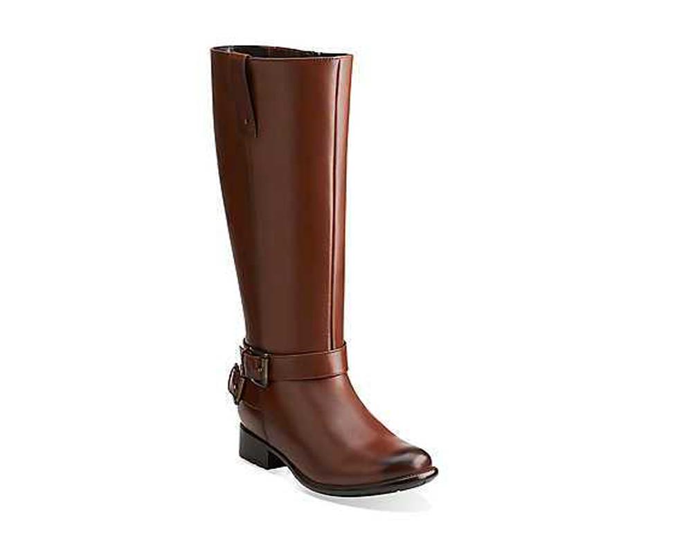 Clarks Women's Plaza Pug Boots - Brown | Discount Clarks Ladies Boots &  More - Shoolu.com