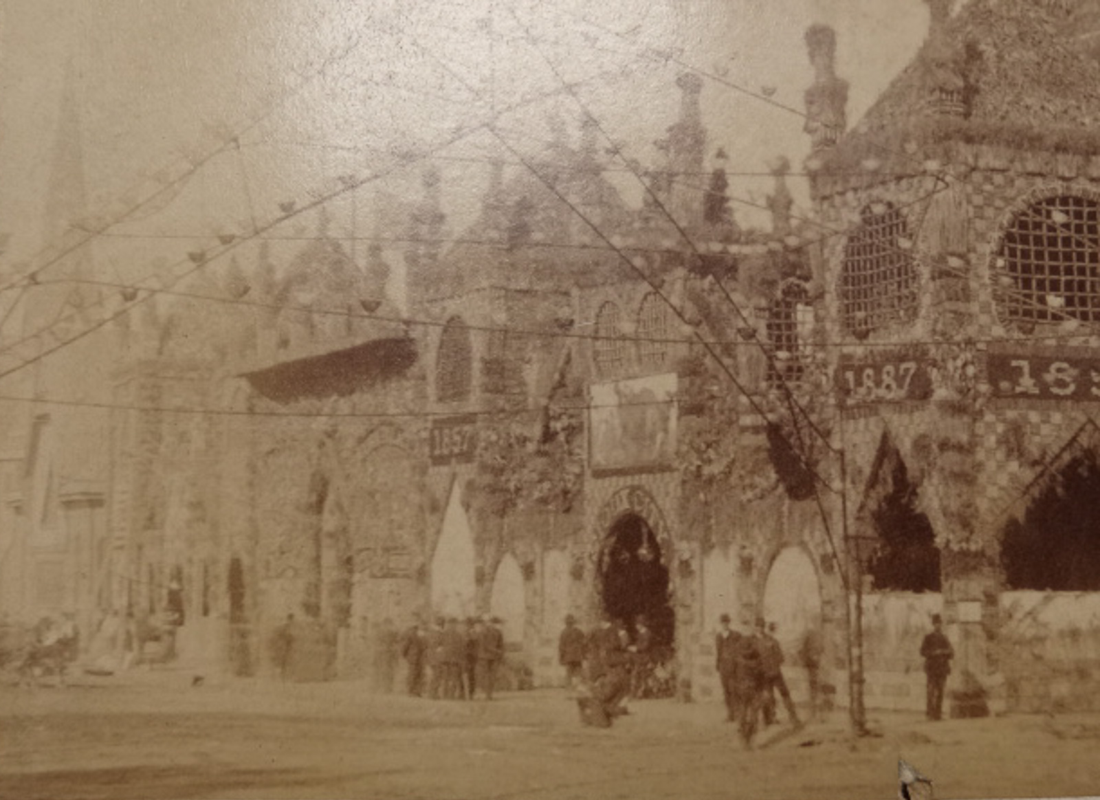 Antique 1887 original albumen photograph corn palace at for Craft stores in sioux city iowa