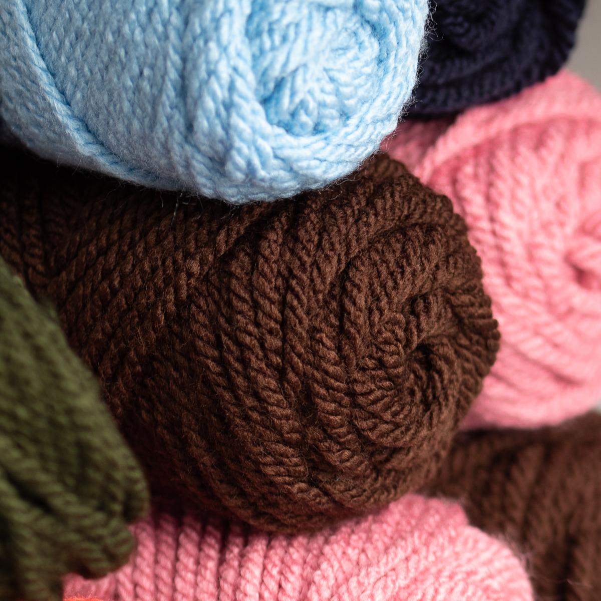 3pk Mary Maxim Titan 100/% Acrylic Yarn #5 Bulky Knitting Crocheting Skeins Soft