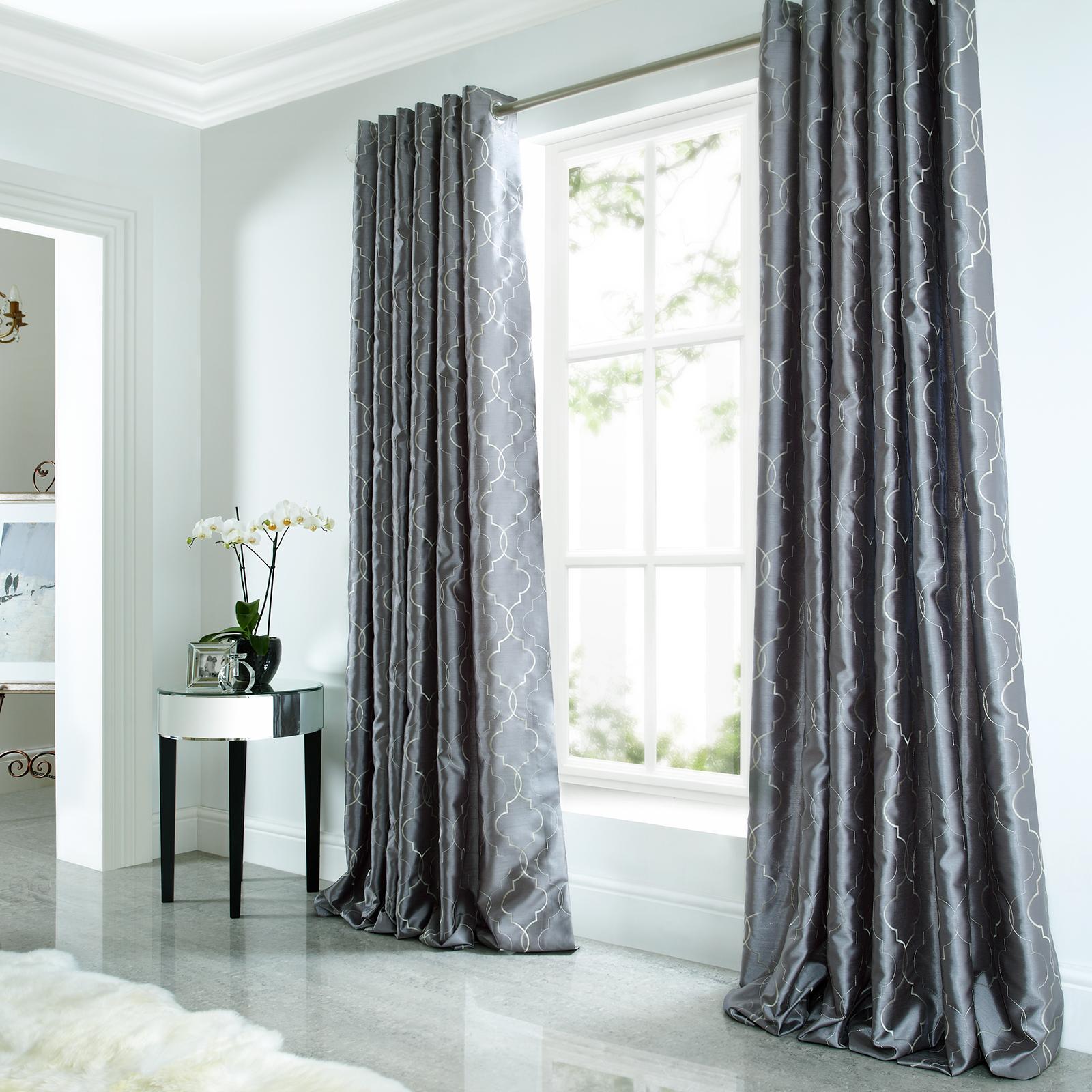 kunstseide luxus vorh nge bestickt gef ttert fertig sen. Black Bedroom Furniture Sets. Home Design Ideas
