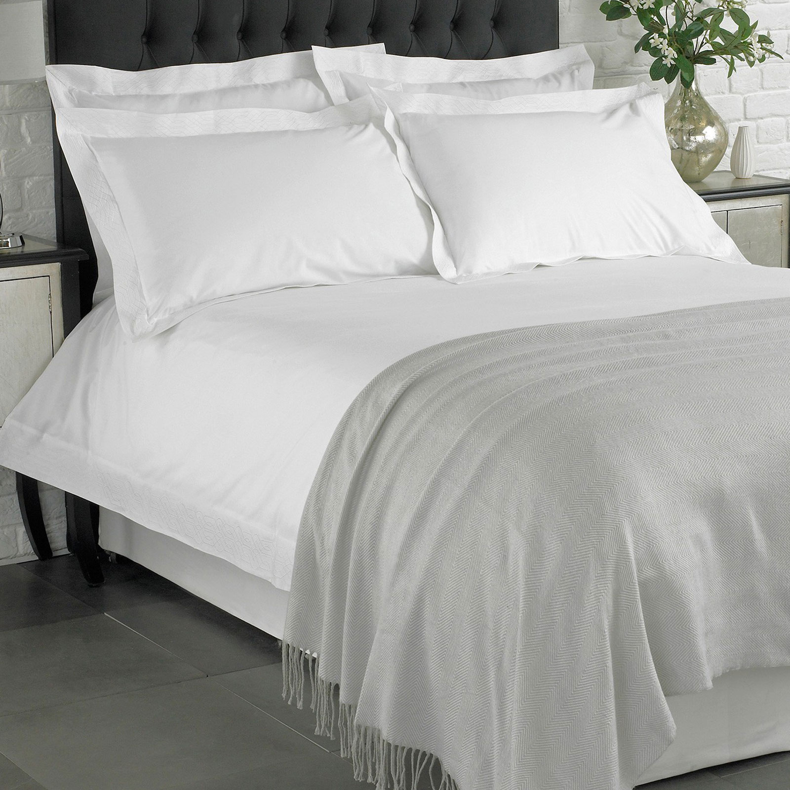 100 cotton white duvet cover luxury 200 thread count embroidered bedding set ebay. Black Bedroom Furniture Sets. Home Design Ideas