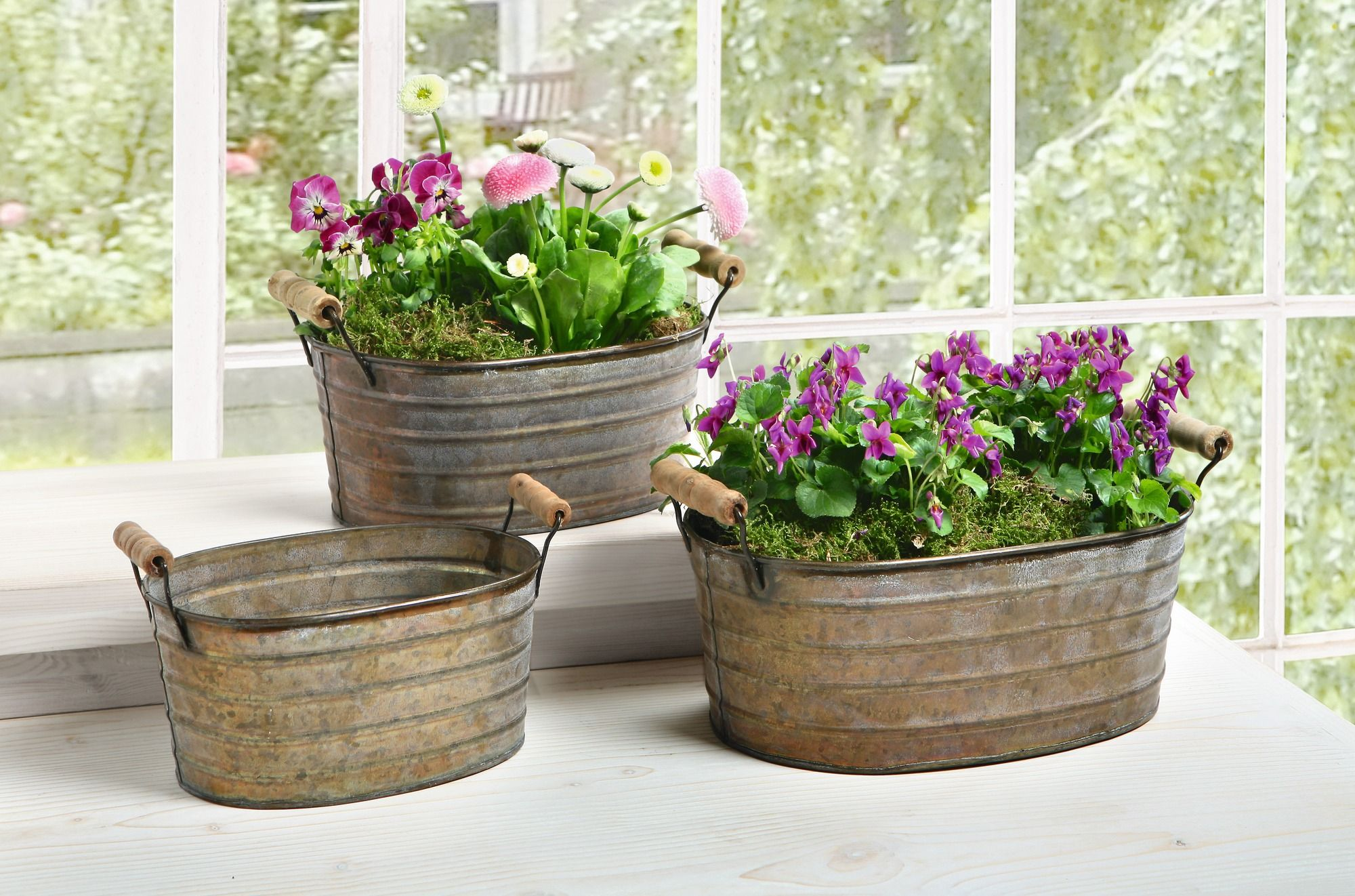Metal planter tubs with wooden handles set of three ebay for Tin tub planters