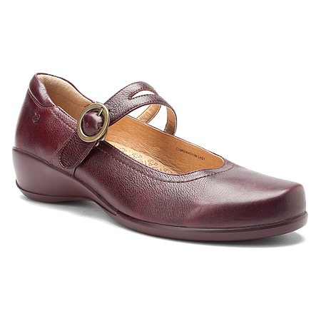 ARAVON Women's Aravon Tonya Flats by New Balance Extra-Wide (EE) Brown Leather WST06RB_2E at Sears.com