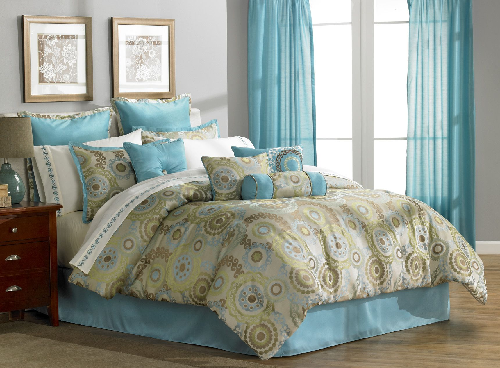 mcleland orleans queen 16 piece comforter bedroom set. Black Bedroom Furniture Sets. Home Design Ideas