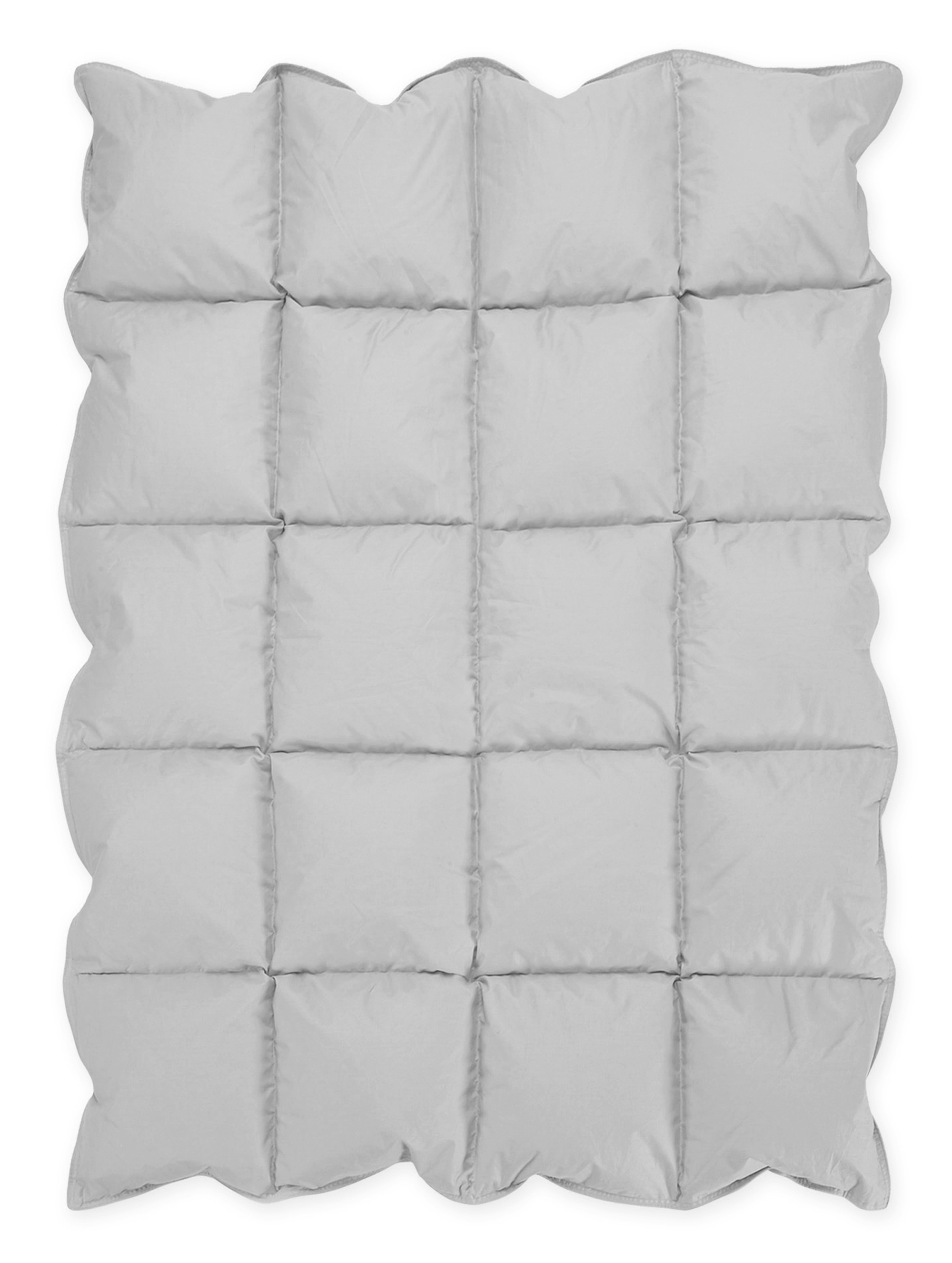 Crib alternatives for babies - Lull Your Baby To Sleep With This Sweet Jojo Designs Grey Soft And Fluffy Down Alternative Crib Comforter Blanket It Is Covered In A 233 Thread Count Down