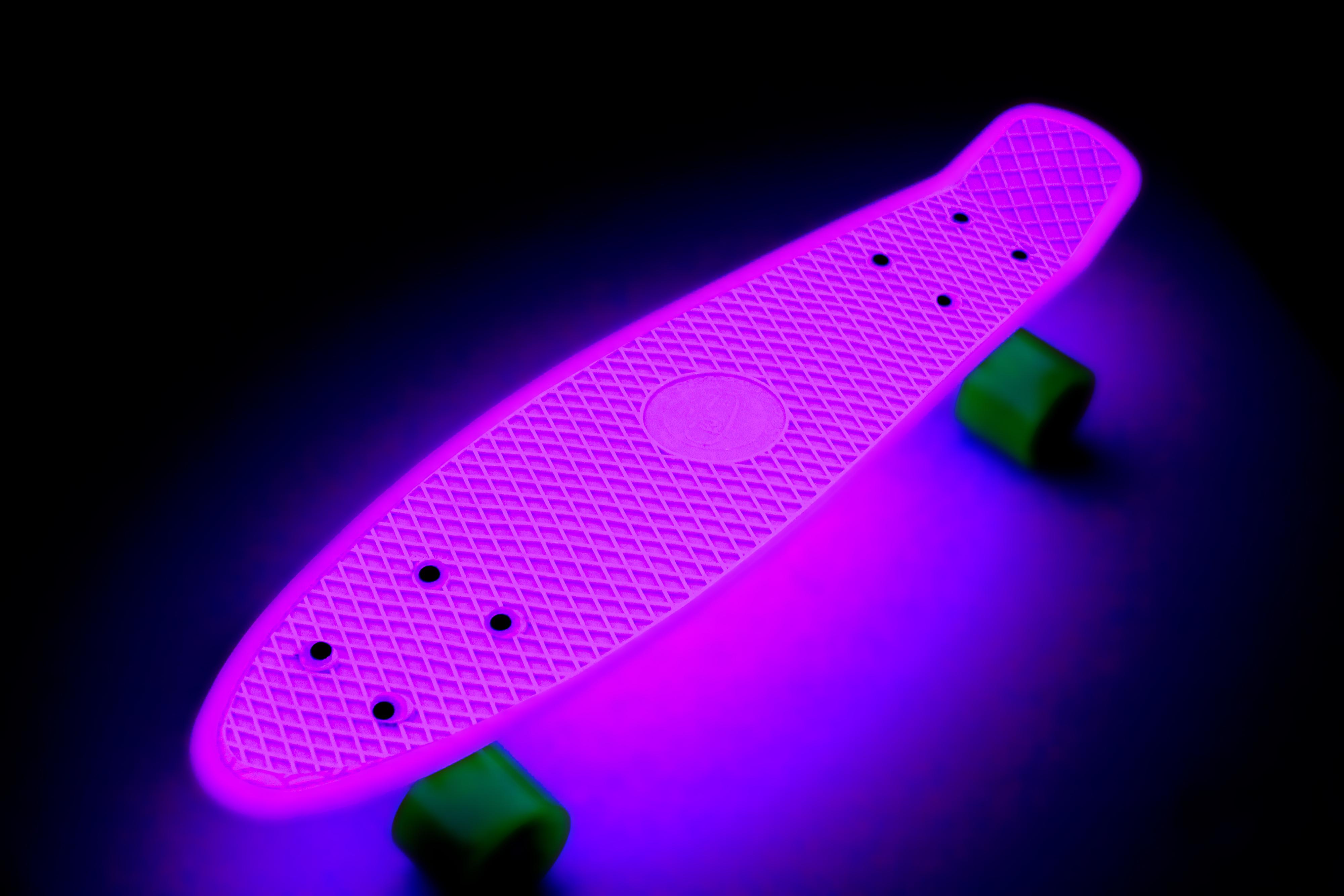 Glow in the dark fish skateboard led wheels urban retro for Glow in dark fish