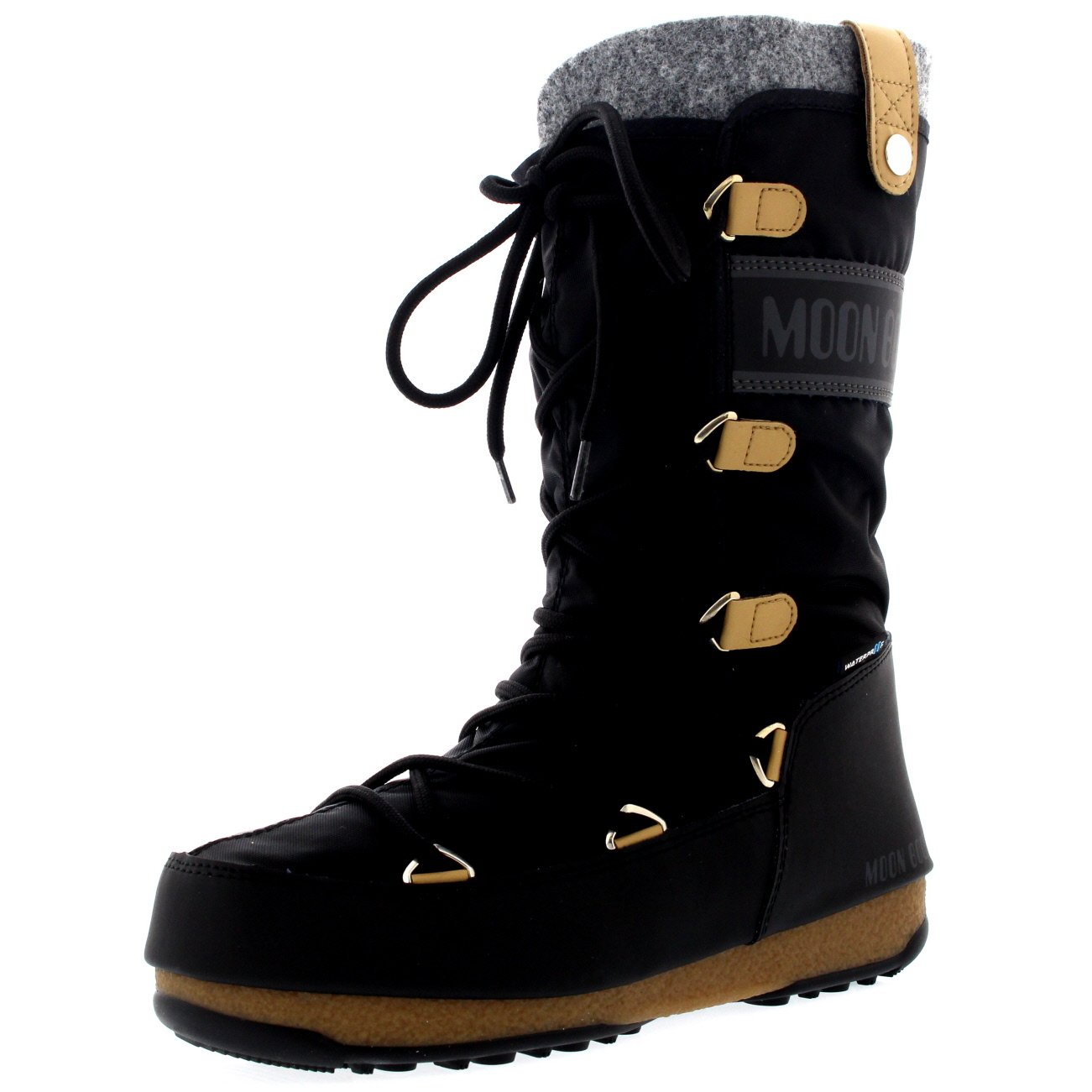how to wear a moon boot