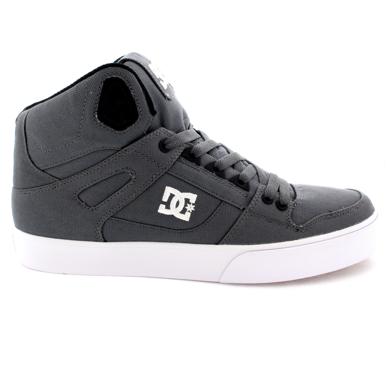 View all mens footwear Grab a pair of our awesome men's skate shoes and get on your board. From huge brands such as Airwalk, Nike and others, our men's skate shoes are ideal for any age group and ability. Avoid ripping those jeans whilst practising and take a glance at our men.