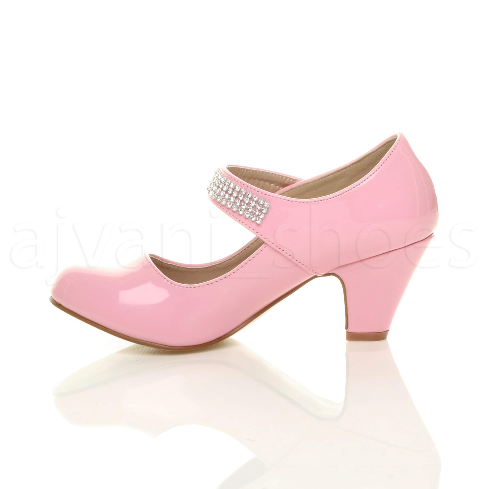 Product Features Girls princess flats shoes are the best match for any dress, in party.