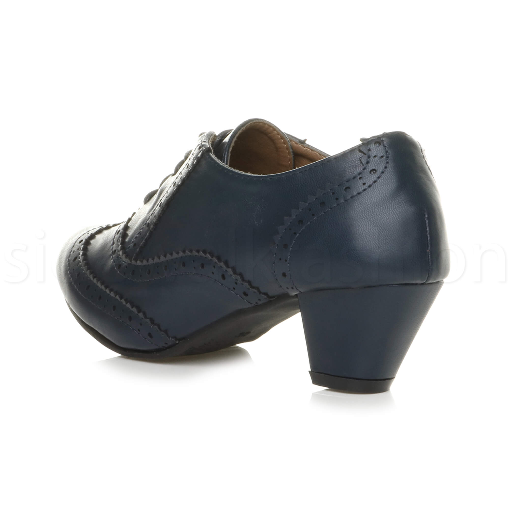 Shop lace up shoes for women at Farfetch and find beautifully crafted leather shoes from Stella McCartney and Church's.